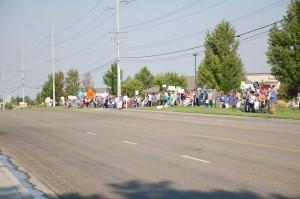 hundreds protest_ good